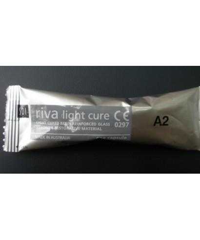 Глас-йономерен цимент, фотополимерен, със смола RIVA LC, капсула